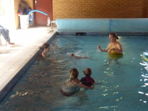 independent swimming to Mum
